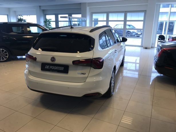 Fiat Tipo break 1.4 benzine manueel  04/2018 – 39200 km bei Garage De Poorter in 8530 Harelbeke